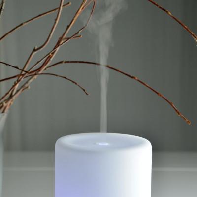 Brumisateur diffuseur ultrasons huiles essentielles à froid silencieux nébulisation senteurs vertus bienfaisantes