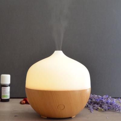 Brumisateur diffuseur ultrasons huiles essentielles à froid silencieux nébulisation senteurs vertus bienfaisantes aspect bois